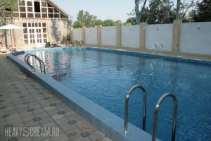 бассейн в Фотини