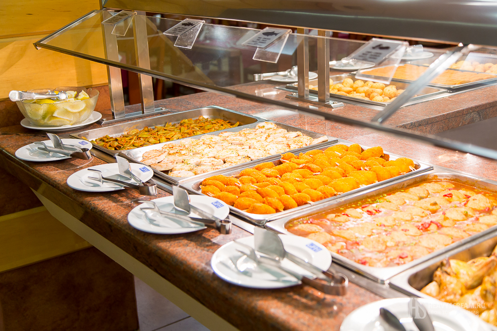 """Ресторан отеля """"Кактус"""", Калеллья, Испания."""