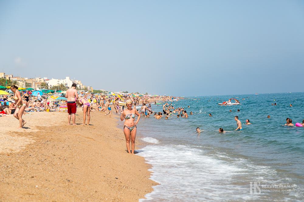 Пляж города Калеллья, Испания