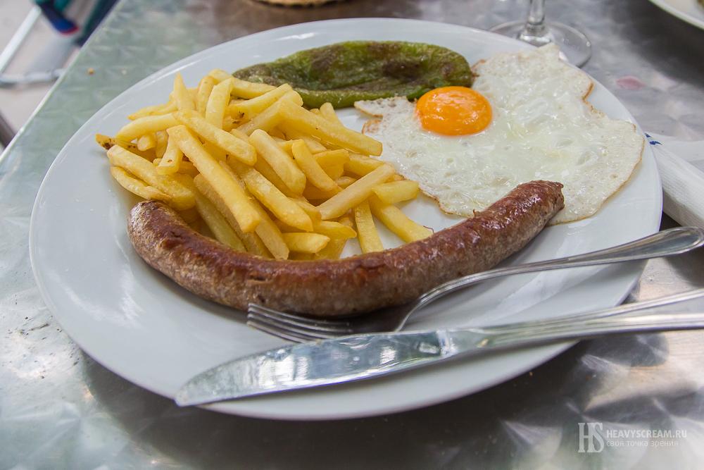 Блюда в ресторане La Torre, Калелья, Испания