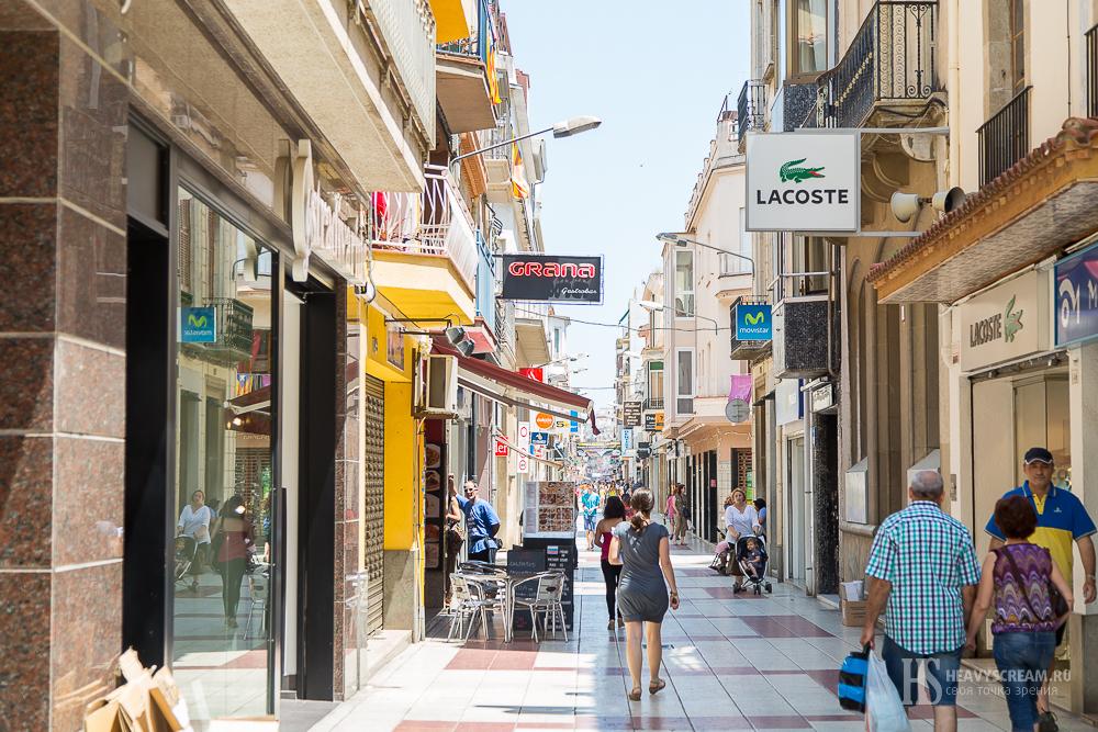 Калеллья (Calella, Spain). Улица.