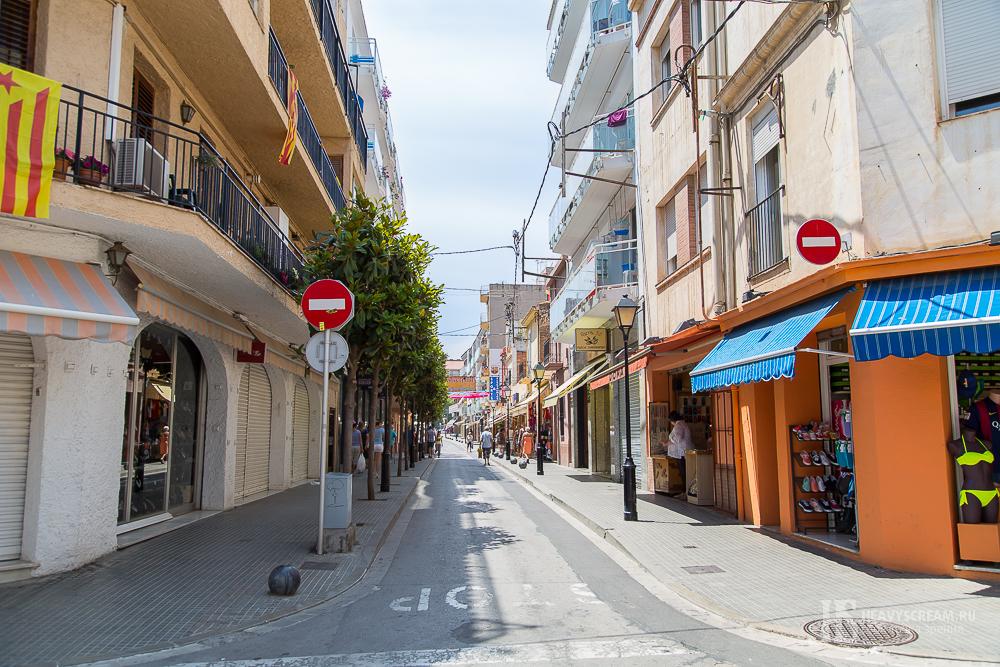 Калеллья (Calella, Spain). Улочки города