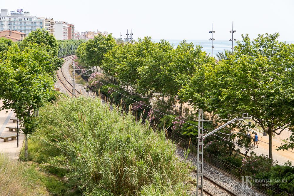 Калеллья (Calella, Spain). Железная дорога.