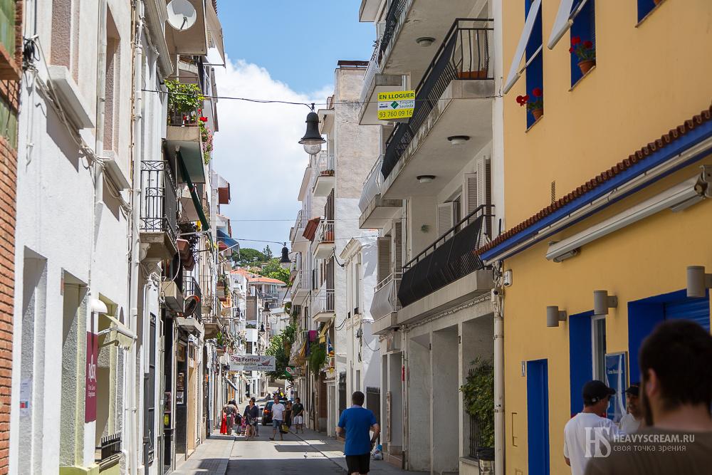 Sant Pol de Mar. Центральная улочка.